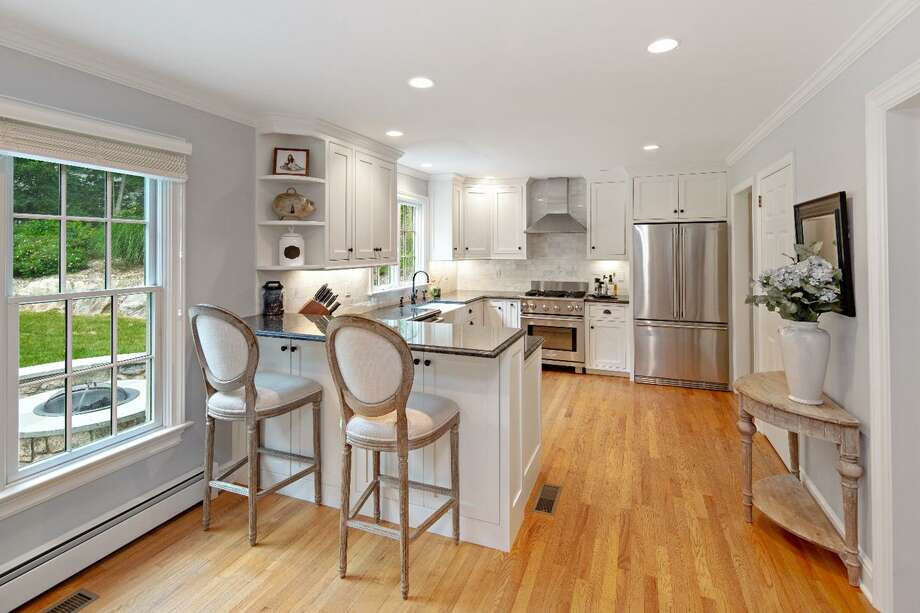 Photo: Berkshire Hathaway HomeServices New England Properties / ONLINE_CHECK