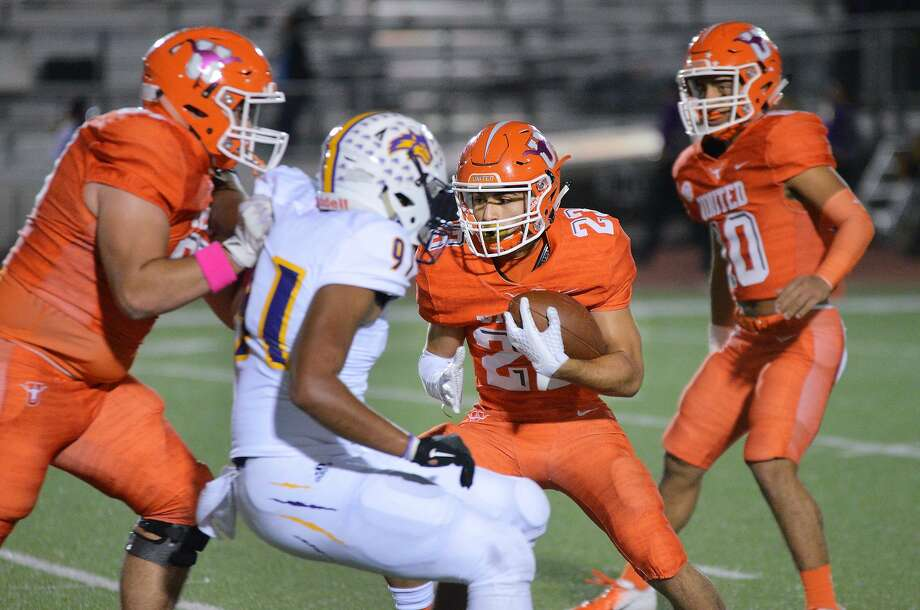 Carlos Jaime had 106 yards and two touchdowns on 10 carries in his second varsity game as United beat LBJ 48-20 Friday. Photo: Cuate Santos /Laredo Morning Times / Laredo Morning Times