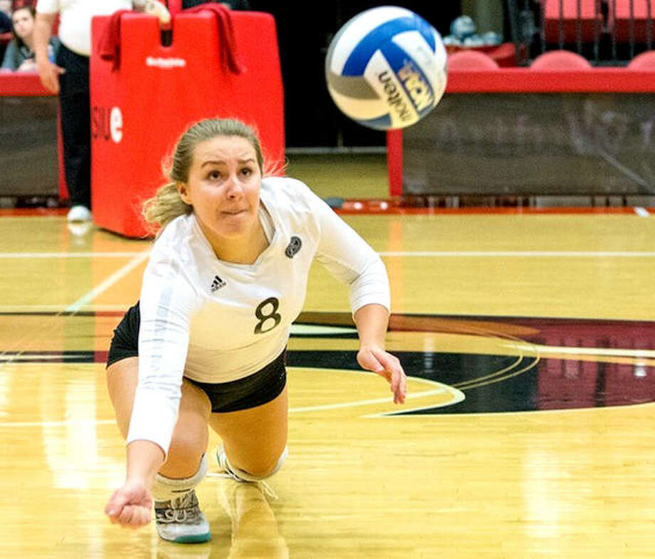 COLLEGE VOLLEYBALL SIUE Tops Morehead State