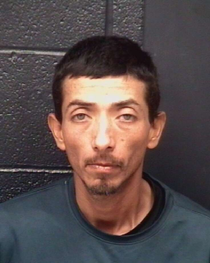 Laredo police are asking the community's assistance in tracking down a Jose Luis Martinez Jr., 35. Photo: Courtesy