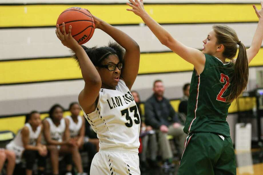 Conroe's Jade Turner (33) passes the ball during the girls basketball game against The Woodlands on Friday, Jan. 19, 2018, at Conroe High School. (Michael Minasi / Houston Chronicle) Photo: Michael Minasi, Staff Photographer / Houston Chronicle / © 2017 Houston Chronicle