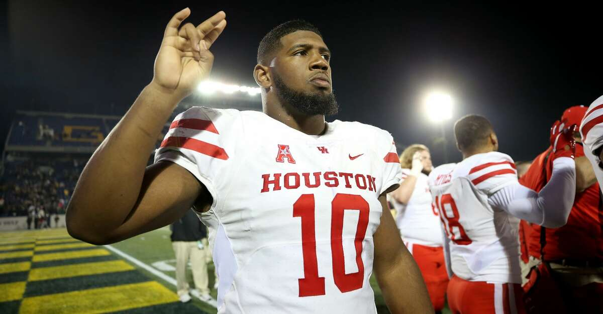 ANNAPOLIS, MD - OCTOBER 20: Ed Oliver #10 of the Houston Cougars looks on after the Houston Cougars defeated the Navy Midshipmen at Navy-Marines Memorial Stadium on October 20, 2018 in Annapolis, Maryland. (Photo by Will Newton/Getty Images)