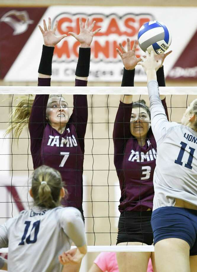 Annie Deininger, Allison Wade and TAMIU fell 3-0 at home Saturday against Arkansas-Fort Smith snapping the Dustdevils' first winning streak of the season. Photo: Danny Zaragoza /Laredo Morning Times / Laredo Morning Times
