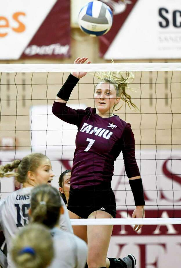 Annie Deininger had a game-high 14 digs Thursday in TAMIU's 3-1 loss at TAMUK. Photo: Danny Zaragoza /Laredo Morning Times File / Laredo Morning Times