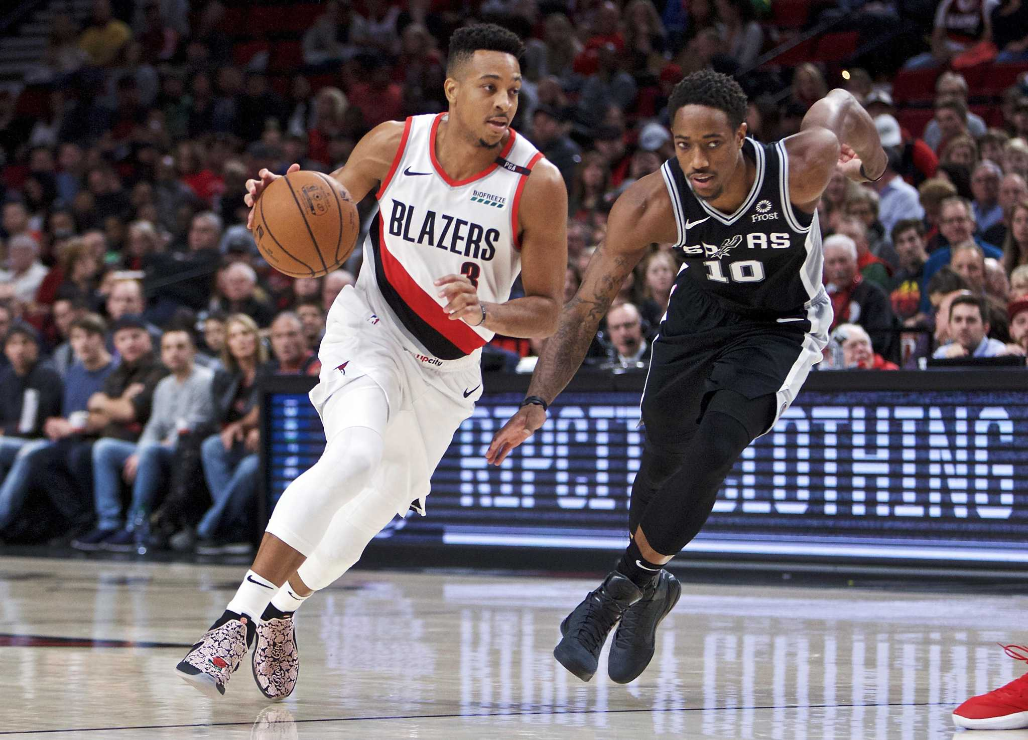 Blazers guards too much for Spurs