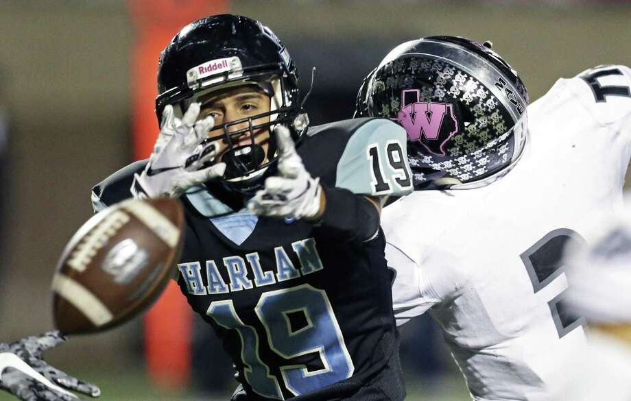 Harlan receiver Anthony Zamora sees a long pass escape his grip as Harlan hosts Eagle Pass Winn at Farris Stadium on October 20, 2018. Photo: Tom Reel, Staff / Staff Photographer / 2017 SAN ANTONIO EXPRESS-NEWS