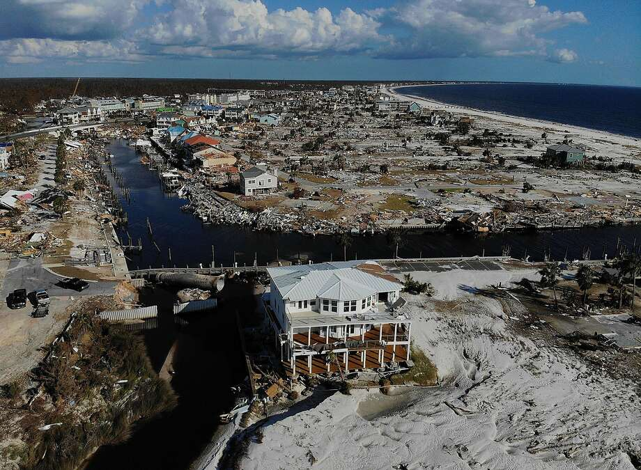 Signs of trauma more evident as Florida hurricane victims struggle