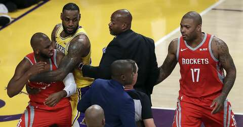 56b8f91ee46 At issue in the Chris Paul and Rajon Rondo fight  Who was the ...