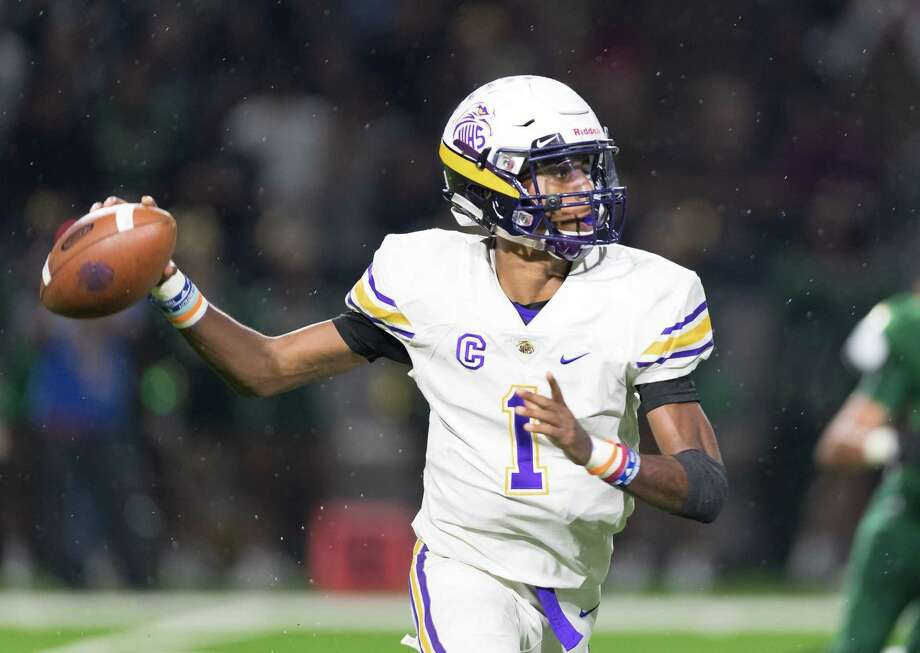 Raymond Richardson (1) of the Jersey Village Falcons attempts a pass in the first half against the Cy Fall Eagles in a high school football game on Friday, October 19, 2018 at Pridgeon Stadium in Houston Texas. Photo: Wilf Thorne / Contributor / © 2018 Houston Chronicle