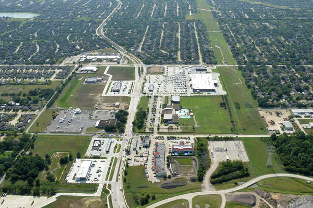 NewQuest Properties developed Marketplace at Ninety-Six, a 36-acre development at League City Parkway and Hobbs Road in League City. Marketplace at Ninety-Six is anchored by 123,000-square-foot Kroger Marketplace.