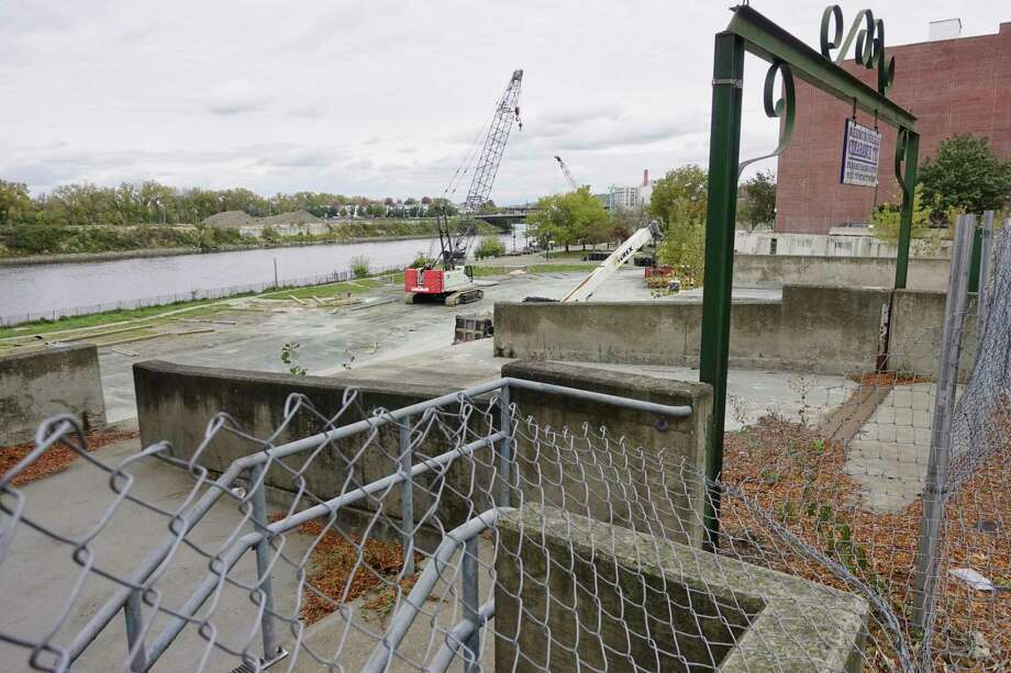 A view of the 1 Monument Square site on Monday, Oct. 22, 2018, in Troy, N.Y. The site is being used to stage equipment and supplies for the sea wall project along the Hudson River in Troy.   (Paul Buckowski/Times Union) Photo: Paul Buckowski, Albany Times Union / (Paul Buckowski/Times Union)