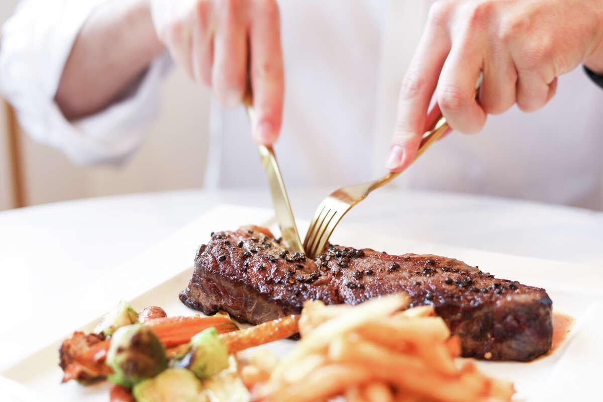 Steak au poivre at Bisou.