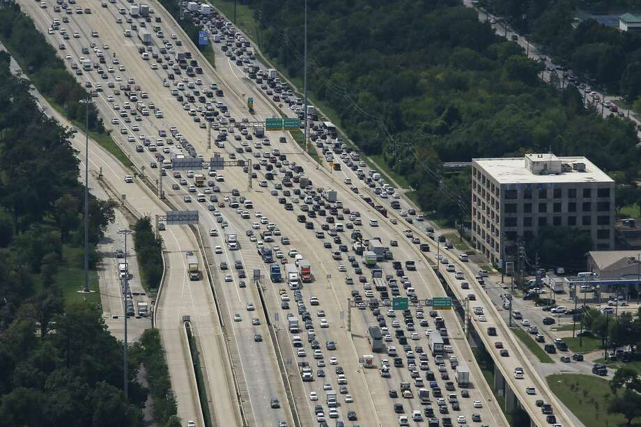 PHOTOS: Suburban traffic
