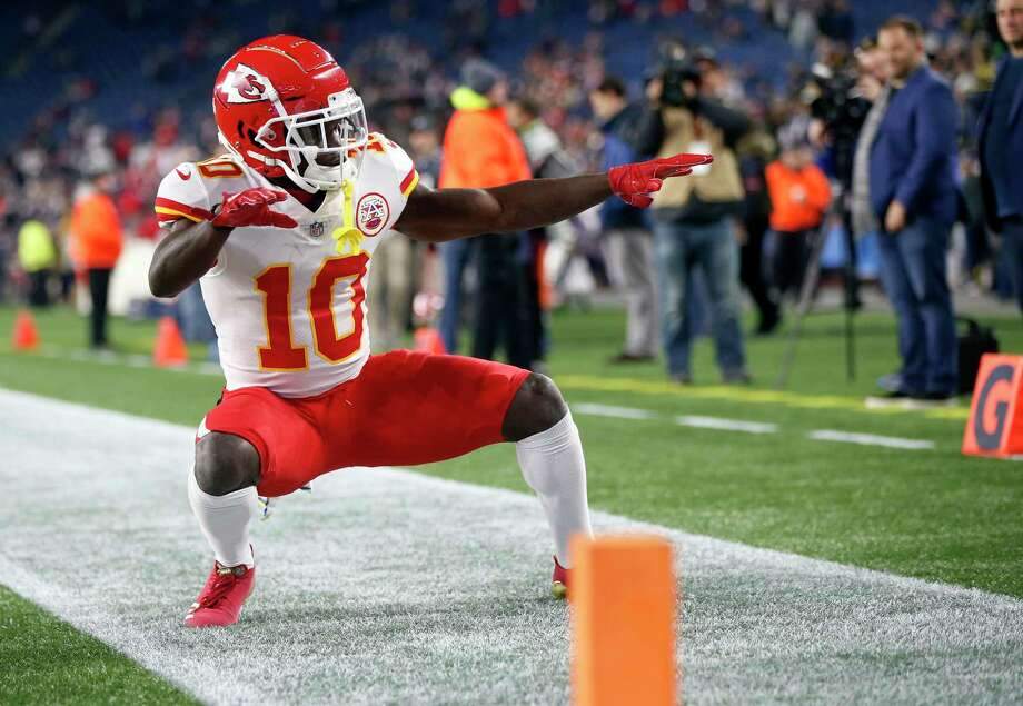 Besides his speed, what makes Tyreek Hill a difficult guy to cover? 