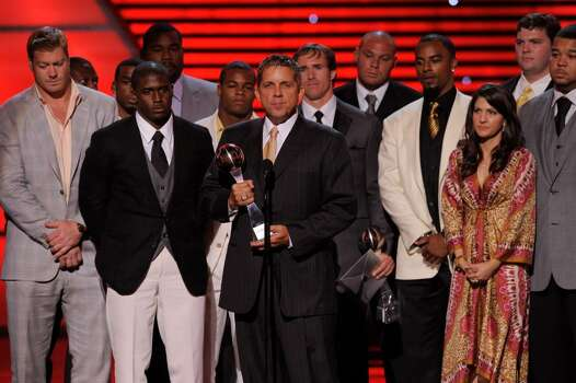 New Orleans Saints football head coach  Sean Payton accepts the award for best team at the ESPY Awards on Wednesday, July 14, 2010 in Los Angeles. (AP Photos/Chris Pizzello) Photo: Chris Pizzello