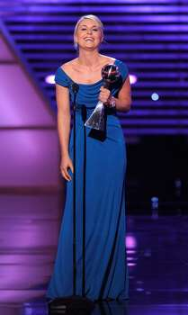 Lindsey Vonn accepts the award for best female athlete at the ESPY Awards on Wednesday, July 14, 2010 in Los Angeles. (AP Photos/Chris Pizzello) Photo: Chris Pizzello
