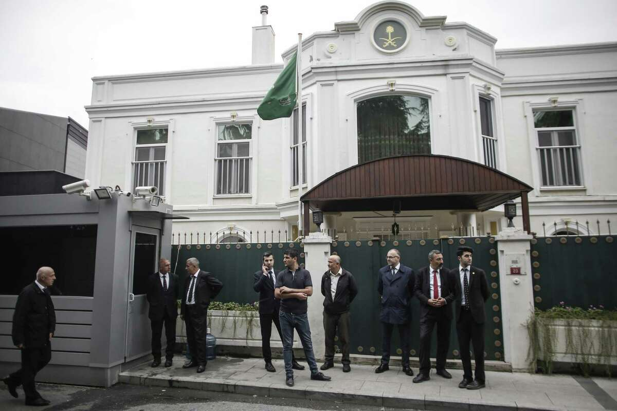 Consular security personnel await forensic investigators outside Saudi Arabia's consulate in Istanbul on Oct. 17, 2018.