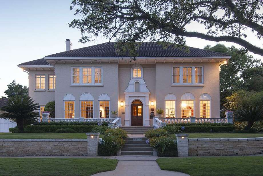 This Museum District estate, a historic Houston landmark, will go to auction Nov. 8, 2018. Photo: Martha Turner/Sotheby's International Realty