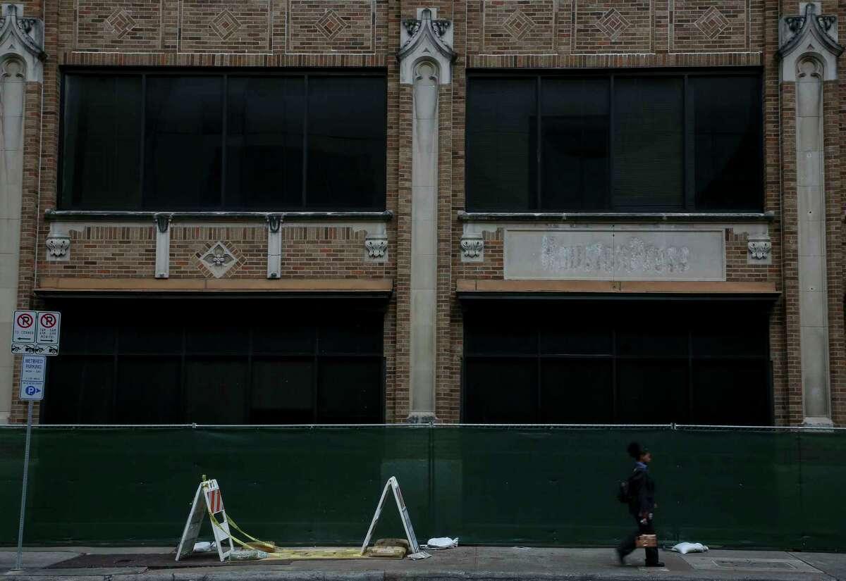 Chevron says it plans to demolish the building.