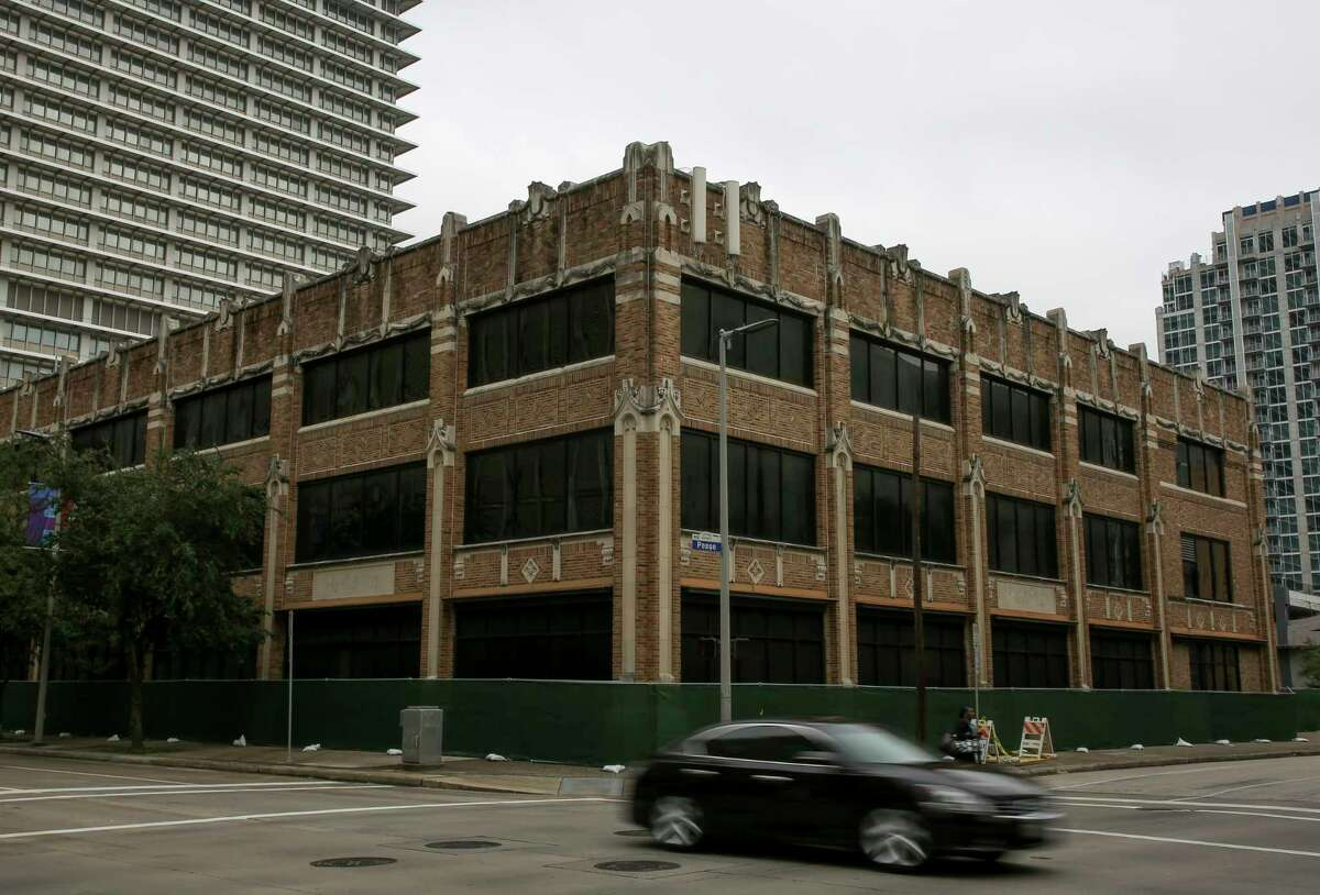 Last month Chron.com first told readers about the energy giant Chevron's plans to tear down the property at 1621 Milam in downtown Houston. This week, the Houston Chronicle published an opinion piece from architectural historian Stephen Fox urging the folks at Chevron to change their minds about the pending demolition of the building that was known as the Houston Press headquarters from 1998 until late 2013.