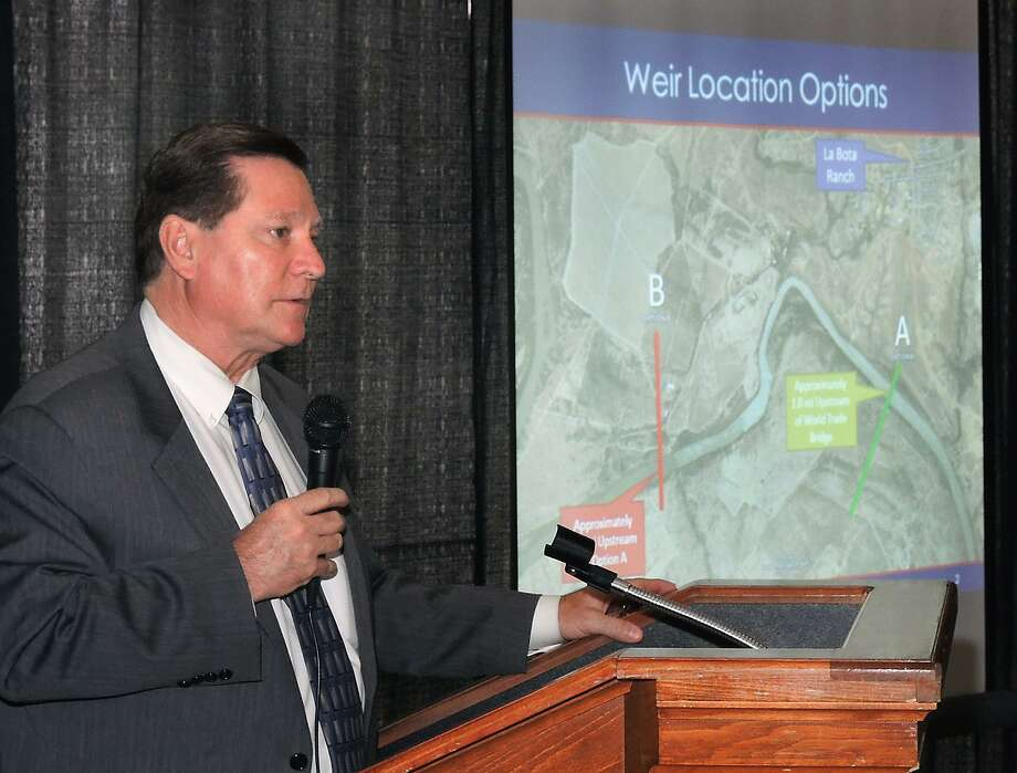 Louis H. Jones Jr., principal/director for Dannenbaum Engineering's South Texas Region, addresses the Laredo Association of Realtors at the Laredo Country Club in 2015. Jones reportedly died by suicide on Monday.  Photo: Cuate Santos /Laredo Morning Times / LAREDO MORNING TIMES