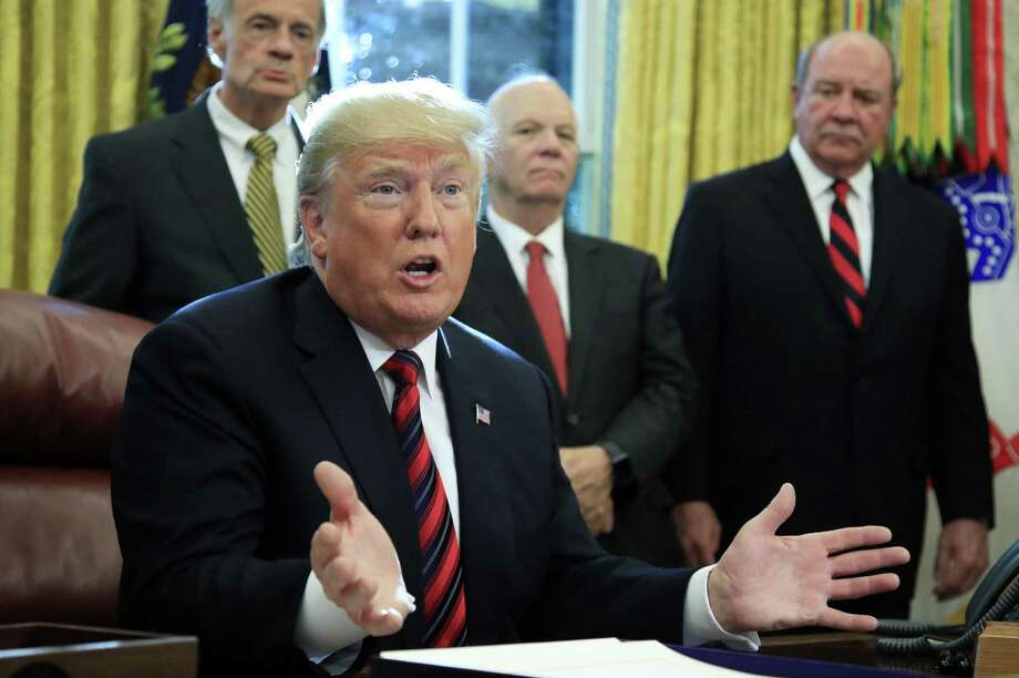 El presidente Donald Trump en la Oficina Oval de la Casa Blanca en Washington, el martes 23 de octubre de 2018. Photo: Manuel Balce Ceneta /Associated Press / Copyright 2018 The Associated Press. All rights reserved.