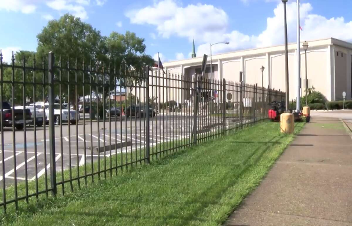 The Houston Municipal Courts Building at 1400 Lubbock was temporarily evacuated because of a foul gas-like odor on Wednesday, Oct. 24, 2018.