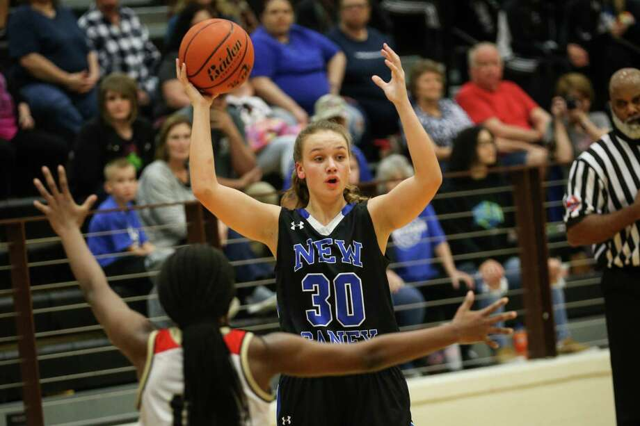 New Caney's Abigail Lynch (30) played significant minutes as a sophomore during the 2017-18 season. Photo: Michael Minasi, Staff Photographer / Houston Chronicle / © 2017 Houston Chronicle