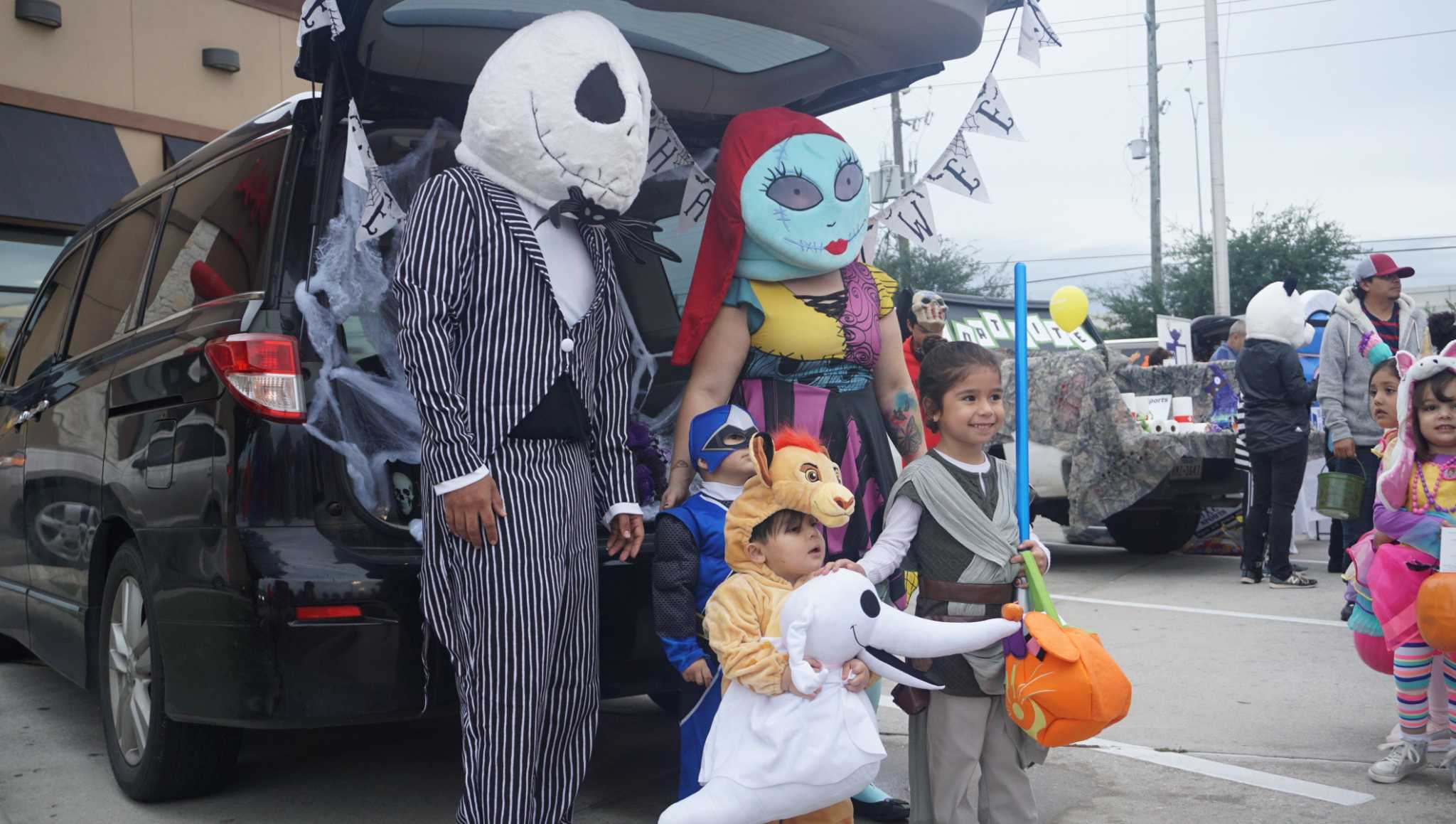 Fall Creek Chick-fil-A hosts inaugural trunk-or-treat event ...