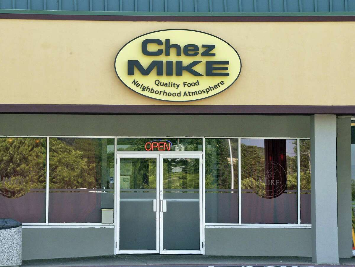 Chez Mike, 596 Columbia Turnpike (Hannaford Plaza), East Greenbush. 518-479-4730. chezmikerestaurant.com. Lunch from 11:30 a.m. to 3 p.m. Tuesday to Friday; dinner from 5 to 9:30 p.m. Tuesday to Thursday, until 10 p.m. Friday and Saturday and 9 p.m. Sunday; closed Monday. $$$. Handicapped-accessible. Large shopping plaza parking lot.