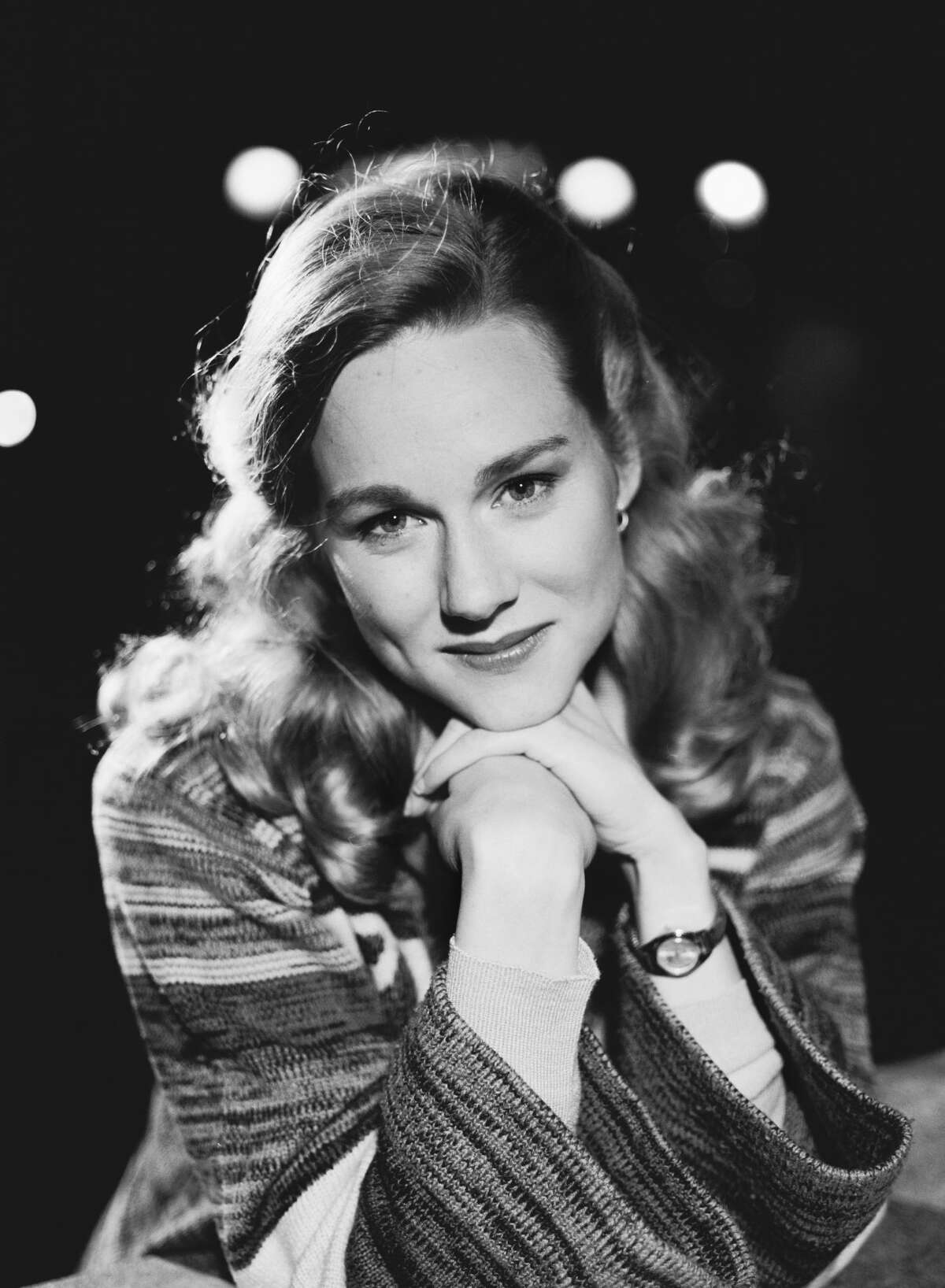 American actress Laura Linney, star of the television miniseries 'Tales of the City', 21st June 1993. The series was based on the first of the 'Tales of the City' series of novels by Armistead Maupin. (Photo by Tim Roney/Getty Images)