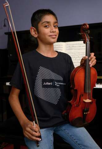 11-year-old violin virtuoso trains at Juilliard - The Hour