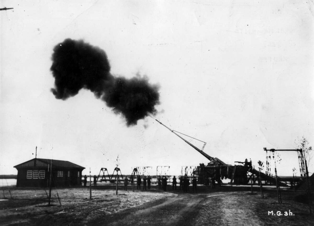 Big Bertha, the Howitzer L/14, manufactured by the German industrialist Gustav Krupp. With a range of 122km, it bombarded Paris for 20 months during 1917. (Photo by Hulton Archive/Getty Images)
