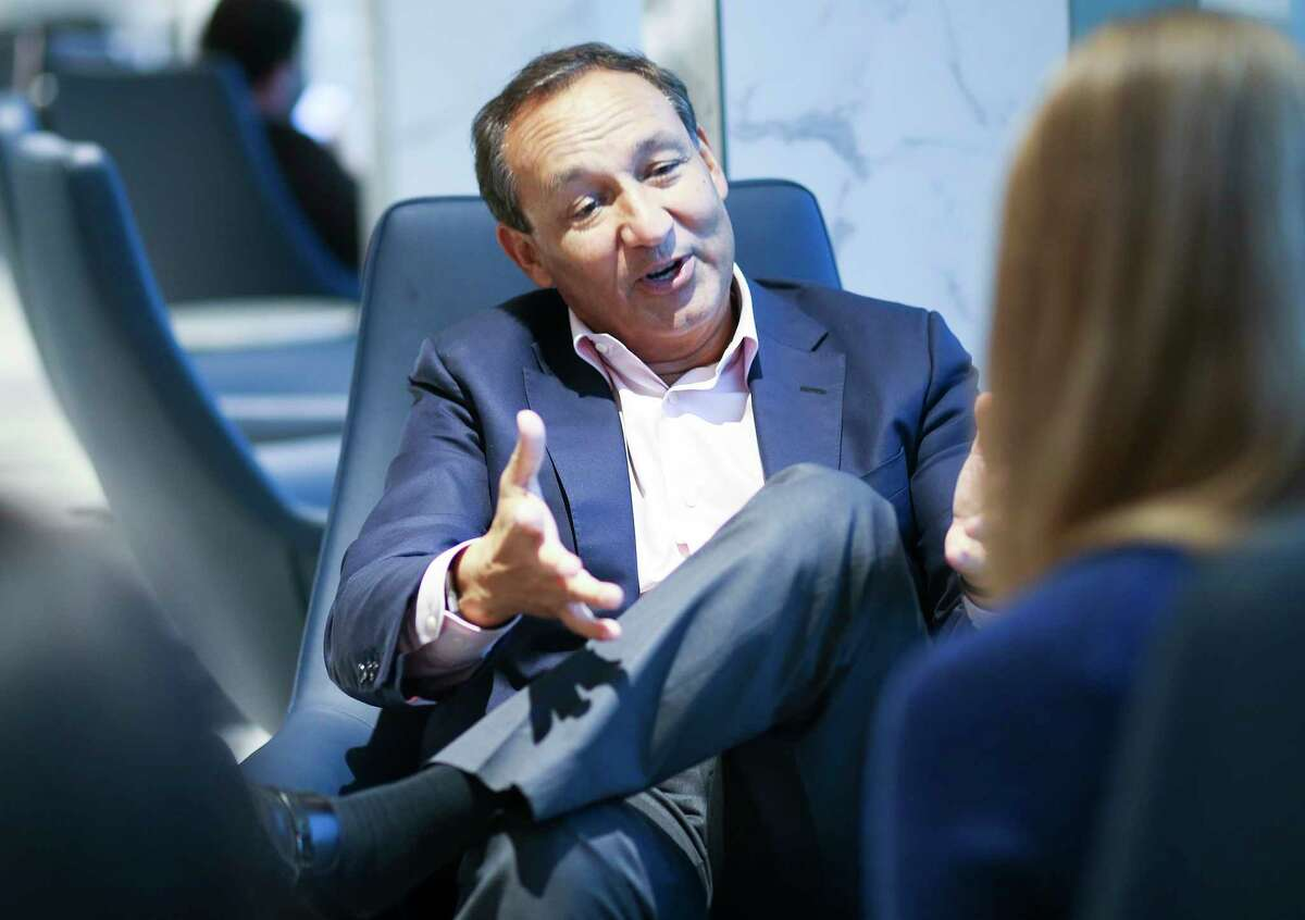 Oscar Munoz, CEO of United Airlines, talks during an interview at George Bush Intercontinental Airport on Wednesday, Oct. 24, 2018 in Houston. United has started Polaris Business Class routes to and from Houston.