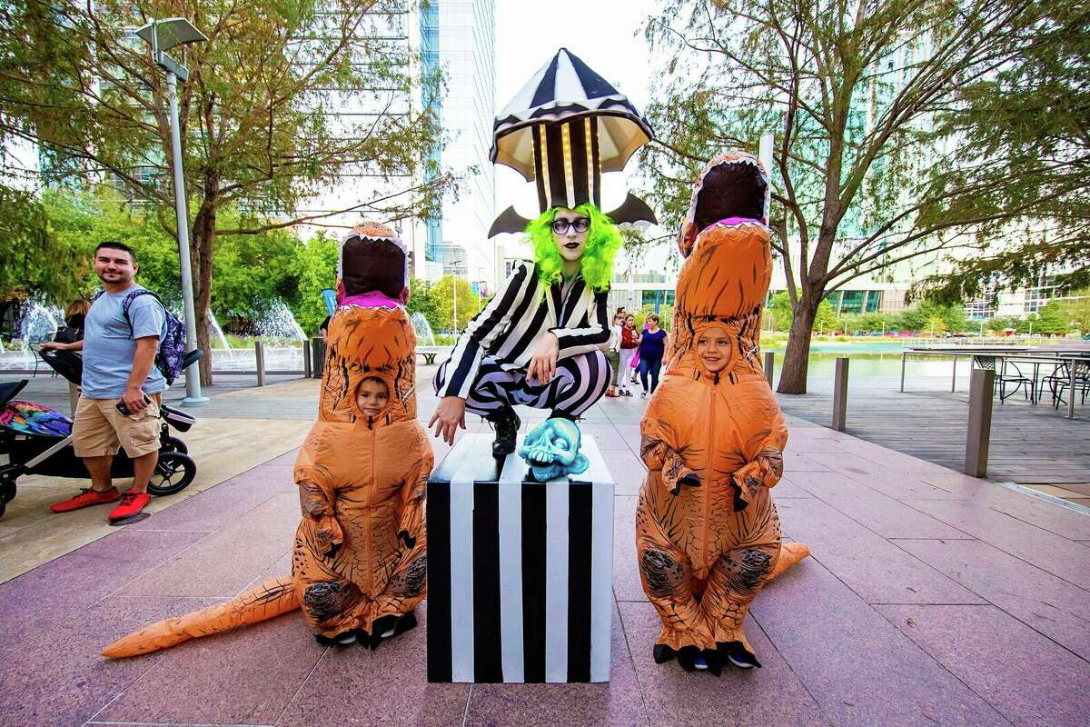 Scream on the Green1500 McKinney Street, Houston Discovery Green's Scream on the Green event will run 6-10 p.m. Friday, Oct. 26 and includes a costume contest, family-friendly games, prizes, a showing of E.T. the Extra-Terrestrial, live music and of course, candy. Free.