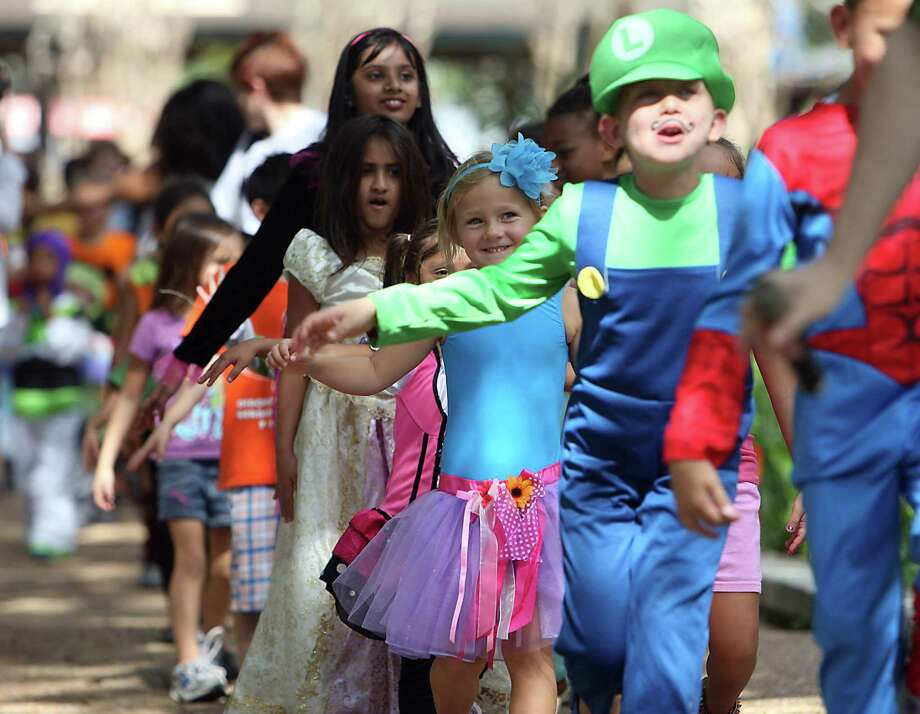 The Houston Zoo hosts its annual Zoo Boo Halloween celebration. Photo: James Nielsen, Staff / Chronicle / © Houston Chronicle 2012