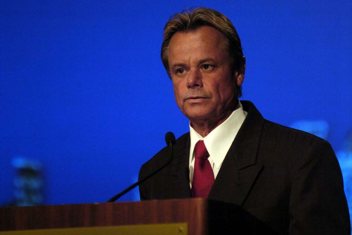 """Gerard J. """"Jordy"""" Tollett, president/CEO of the Greater Houston Convention and Visitors Bureau, speaks during the group's annual meeting at the Hyatt Regency downtown, Thursday, August 10, 2006."""