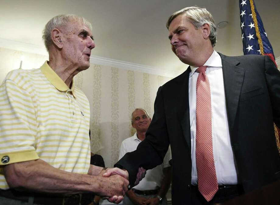 Republican gubernatorial candidate Bob Stefanowski, right Photo: File Photo / Copyright 2018 The Associated Press. All rights reserved