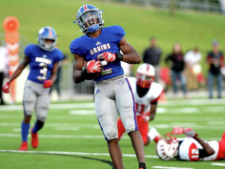 West Brook's Deonte Simpson reacts after earning yards against Houston Lamar at Beaumont Memorial Stadium.  Friday, September 14, 2018  Drew Loker/special toThe Enterprise Photo: Drew Loker / The Enterprise / BEN