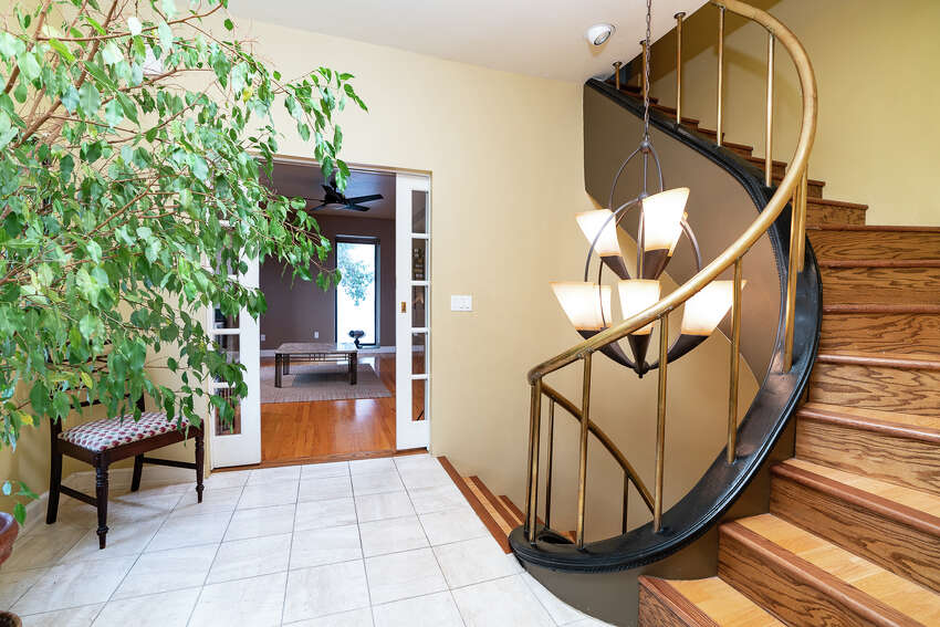 House of the Week: 48 Dove St., Albany   Realtor: Julia Rosen of Berkshire Hathaway Blake   Discuss: Talk about this house
