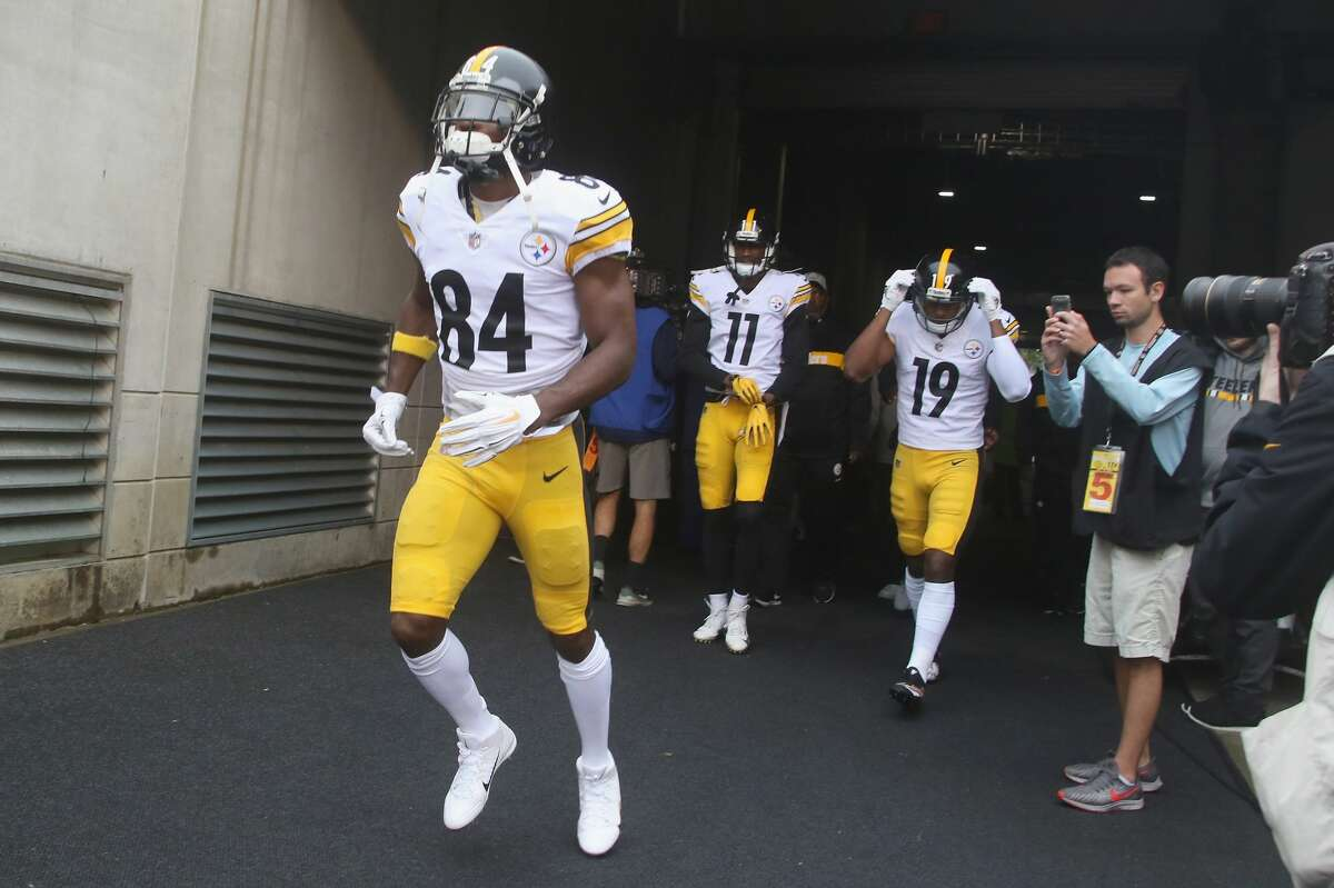 Cleveland plus-8 at Pittsburgh Steelers 24-17