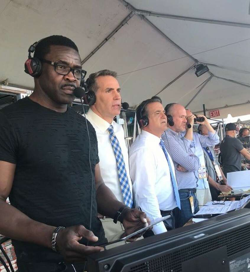 From left: Michael Irvin, Kurt Warner, Steve Mariucci and Rich Eisen rehearse during the Sept. 27 Vikings vs. Rams game in preparation for their upcoming live broadcast of Eagles vs. Jaguars on Oct. 28 at 9:30a ET from Wembley Stadium in London, airing exclusively on NFL Network. (Courtesy of NFL Media)