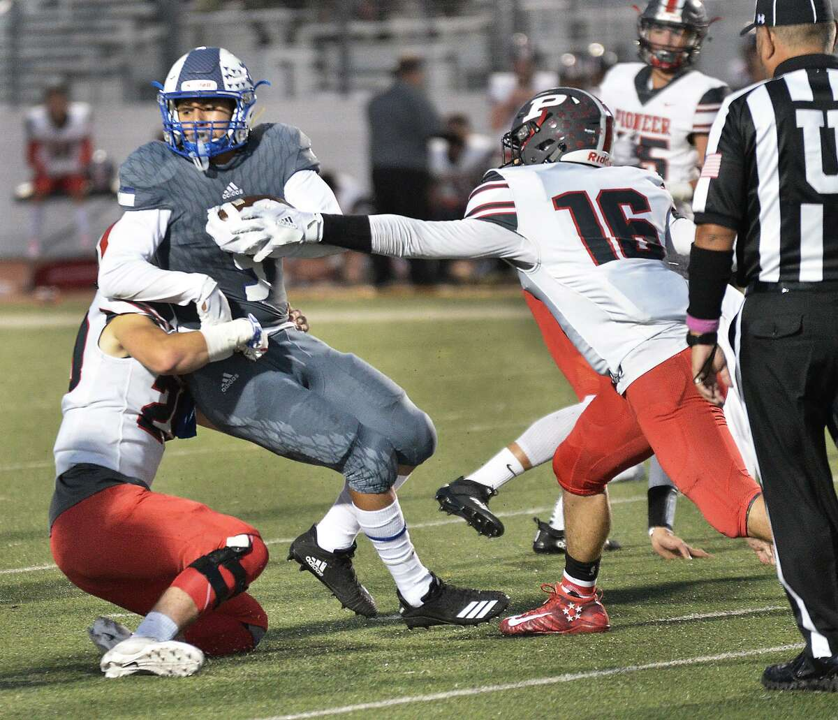Alex Guzman and Cigarroa were shutout for the third time in four games Friday against Valley View.