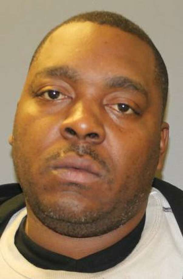Darnell Bullitt, 39, of Cleveland, was arrested by Hamden police on Friday, Oct. 26, 2018 and charged with third-degree larceny, conspiracy to commit third-degree larceny, third-degree criminal trespass, criminal mischief and possession of burglar tools. He and two other Ohio men are accused of stealing catalytic converters from vehicles. Photo: Hamden Police Photo