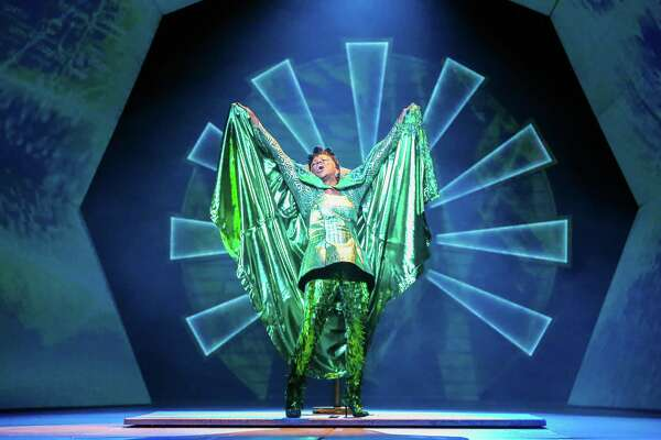 Review: 'The Wiz' pushes into fantastic realm of queer
