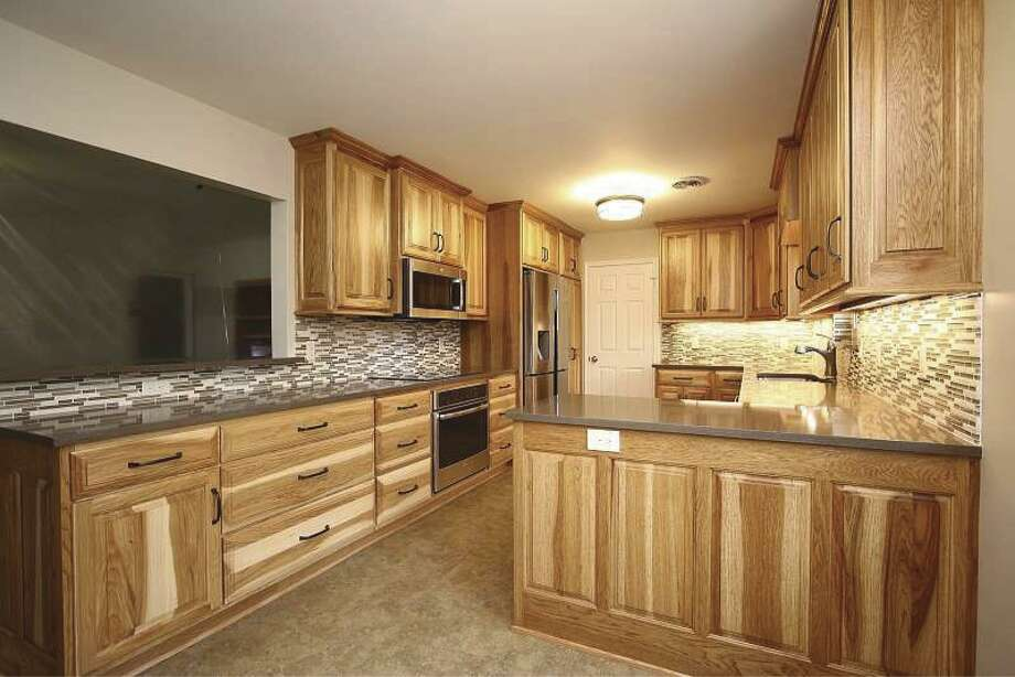 Abbott Contracting remodeled this kitchen.