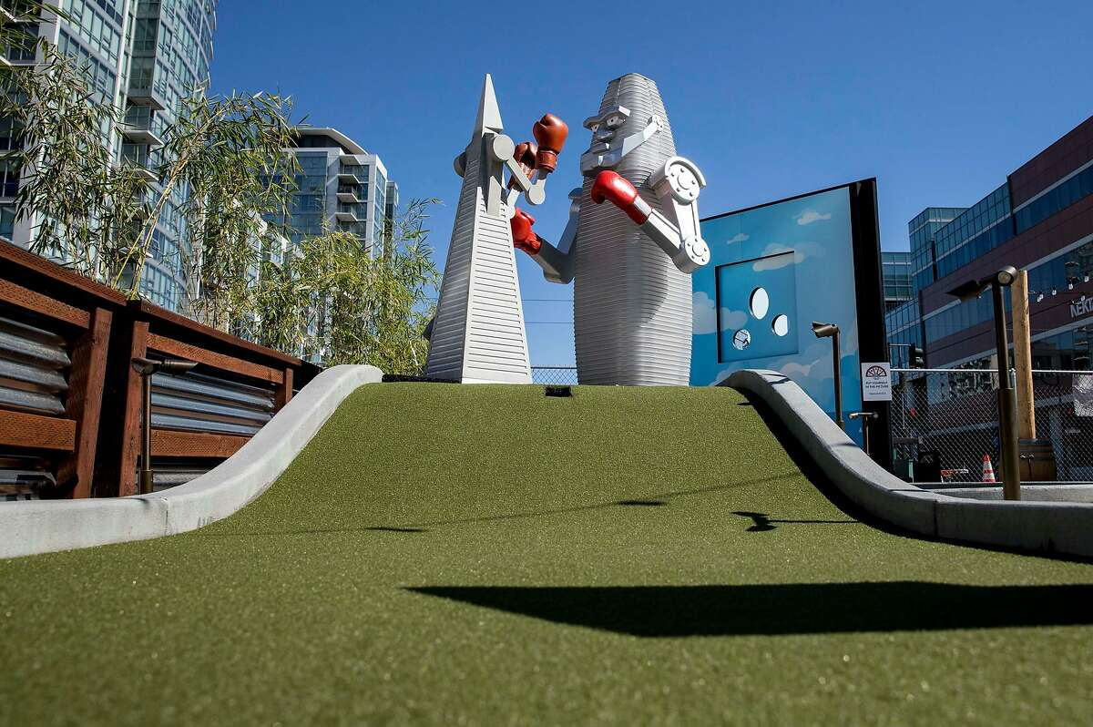 The TransAmerica Pyramid and Salesforce Tower face off at the Alpha in the Air mini golf hole at Stagecoach Greens in San Francisco, Calif. Saturday, Oct. 13, 2018.