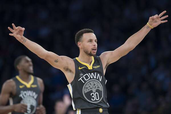 e2f7386a15b 1of18Golden State Warriors guard Stephen Curry gestures during final  minutes of the second half of an NBA basketball game against the New York  Knicks