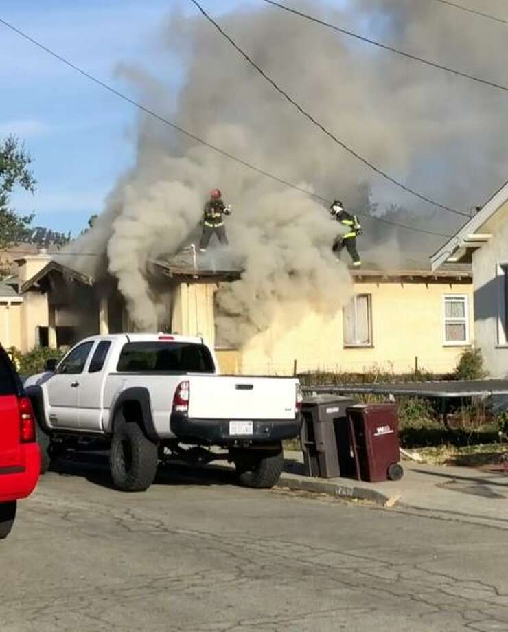 Man suffers life-threatening smoke inhalation in San Leandro fire