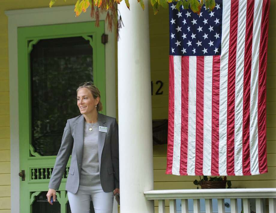 Greenwich resident Alexandra Bergstein, Democrat candidate for the state senate 36th district, campaigns door-to-door on Mead Avenue in the Cos Cob section of Greenwich, Conn., Friday, Oct. 5, 2018. Photo: Bob Luckey Jr. / Hearst Connecticut Media / Greenwich Time